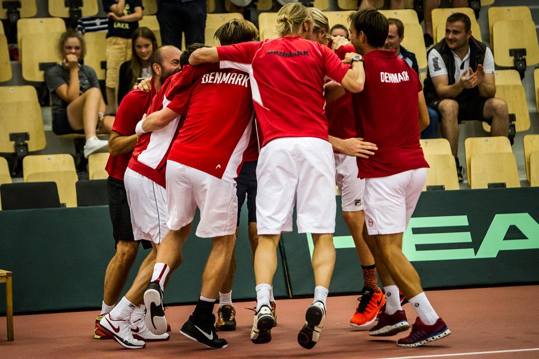 På hjemmebane i Lyngby vandt Danmark 3-2 over Finland i Davis Cup