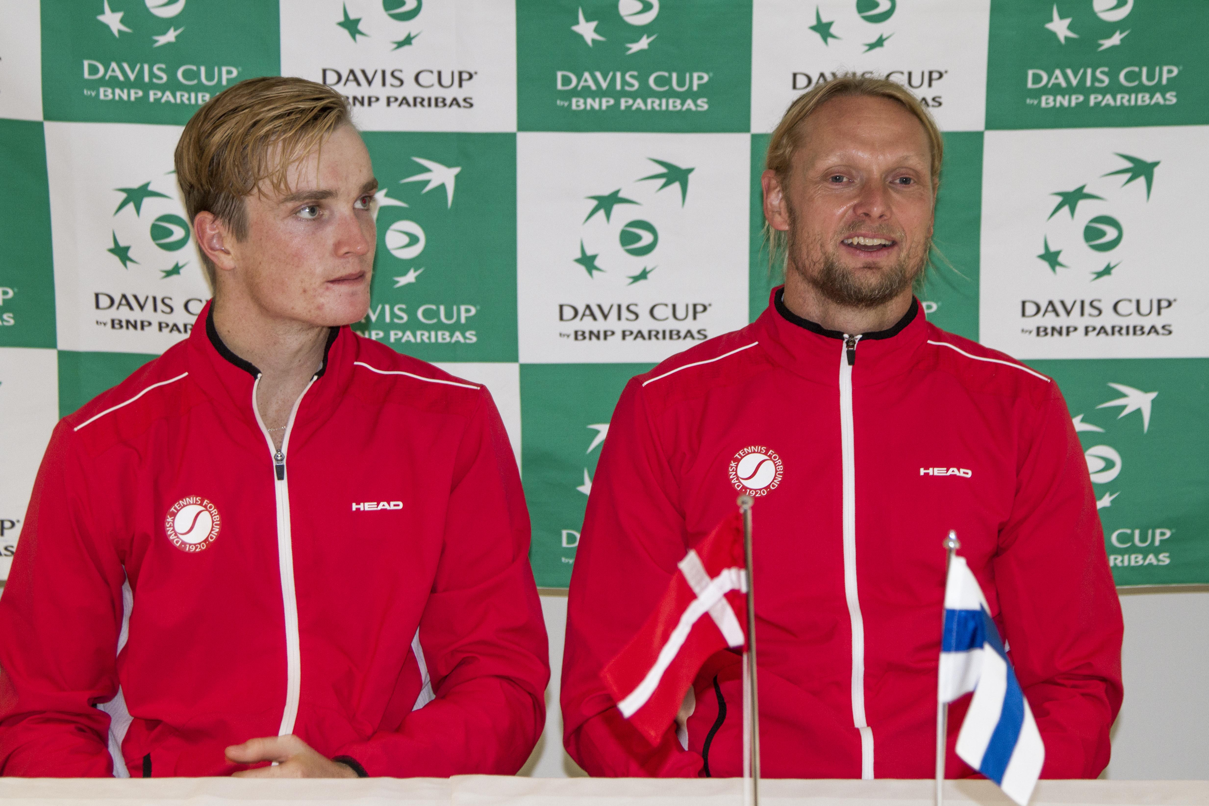 Mikael Torpegaard, Kenneth Carlsen