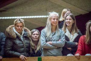 Tilskuere ved herrernes guldkamp mellem KB og HIK indendørs 2018